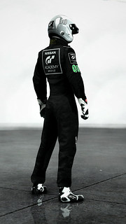 GT Academy 2012: OfficialOutfit3