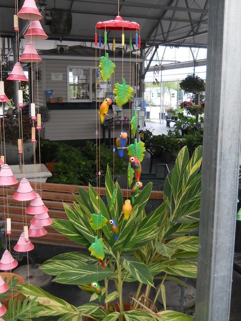 Hanging Parakeet decoration 01