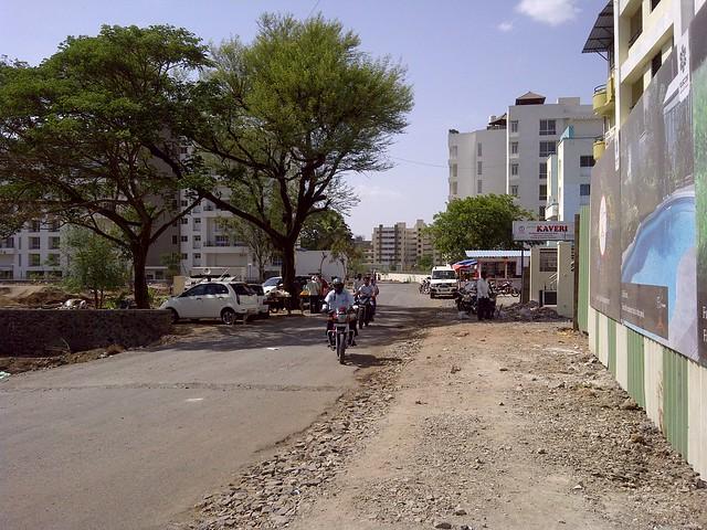 To Amanora from Vascon Ela - 2 BHK 2.5 BHK Flats opposite Suzlon One Earth at Sade-Satara-Nali (Sade-Satra-Nali) Gram Panchayat, Hadapsar, Pune 411028