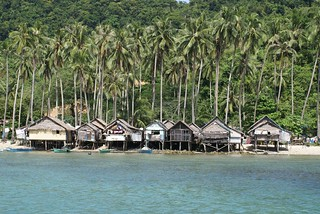 Local fishermen's houses in El Nido