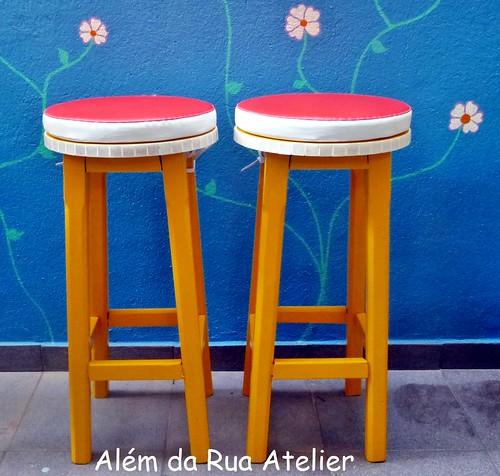 Restauração e pintura de bancos de madeira