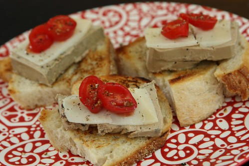 Truffle Mouse on Toasted Bread with Tomato and Spanish Cheese