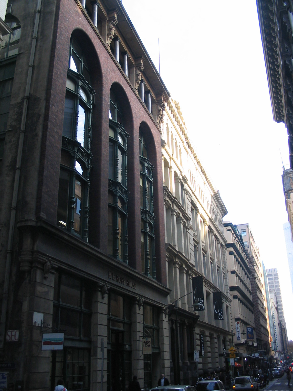 Flinders Lane, Ross House in the foreground (May 2006)