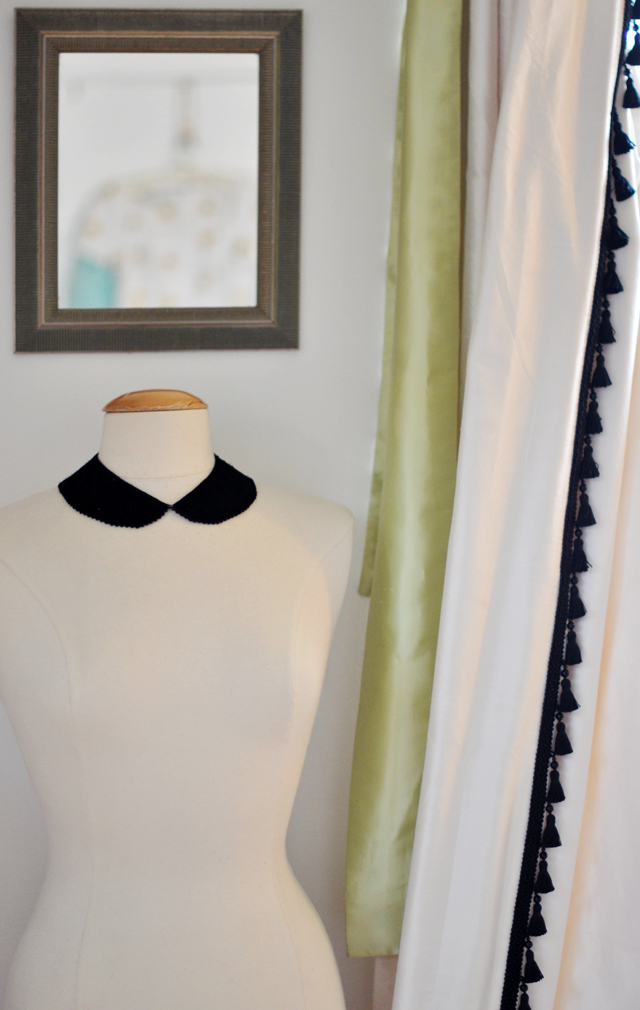 dress form-peter pan collar necklace-tassel curtains