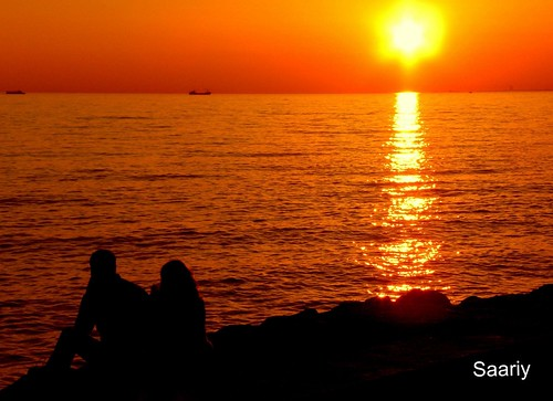 Watching the sunset with her  ♥♥ ☼☼☼☼ HAPPY WEEKEND