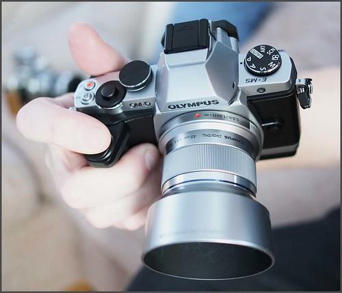 OLYMPUS OM-D E-M5 45mm f/1.8 lens