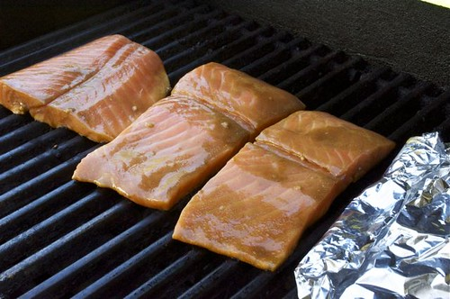 how to properly cook salmon on the grill