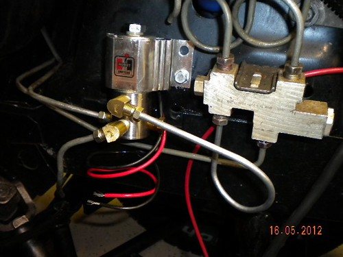 fox line lock install lots of pics ford mustang forums on Add a Phase Wiring Diagram Front Locker Switch Diagram for untitled by frankrpatrick, on flickr