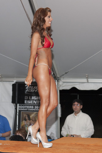 2012 Hooters Central Carolinas Swimsuit Contest by Ardias