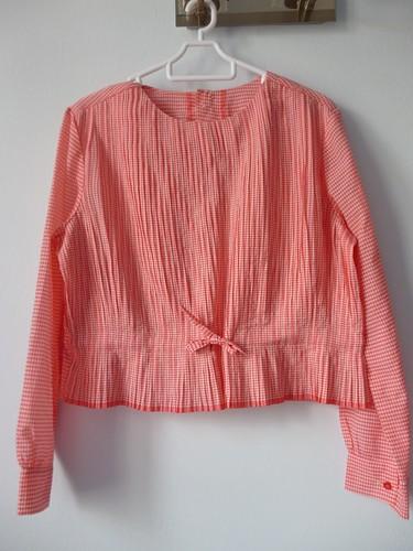 vintage red top