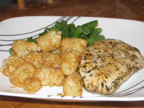 chicken, tater tots, and green beans