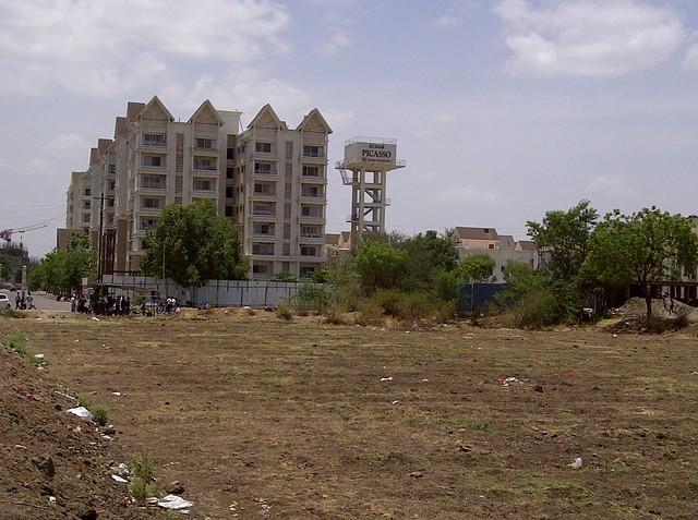 Kumar Picasso - Baburao Shankarrao Tupe Road (D P Road) Hadapsar  - Visit Livogue - 1 BHK, 1.5 BHK & 2 BHK Flats at Malwadi Hadapsar, Pune 411028
