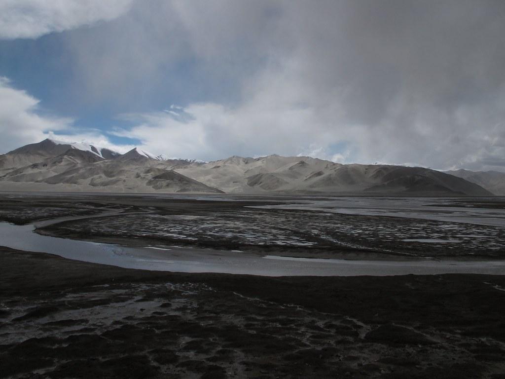 De camí al llac de Karakul per la Karakorum Highway (Xinjiang, Xina)