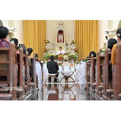 Pemberkatan #pernikahan Wulan & Bayu, #weddings di #gereja Jago #Ambarawa #Semarang Jawa Tengah, Desember 2013. #wedding #photo by Poetrafoto Photography | visit our #website #webstagram on http://wedding.poetrafoto.com