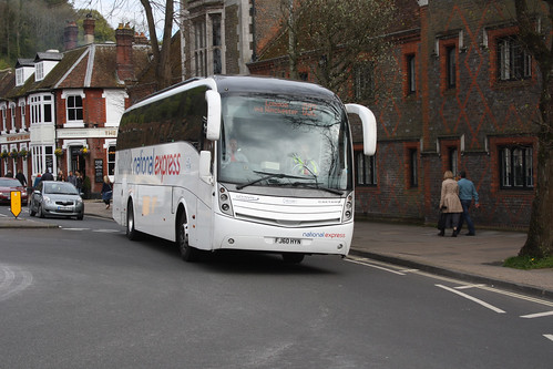 Yellow Buses VCL330 FJ60HYN