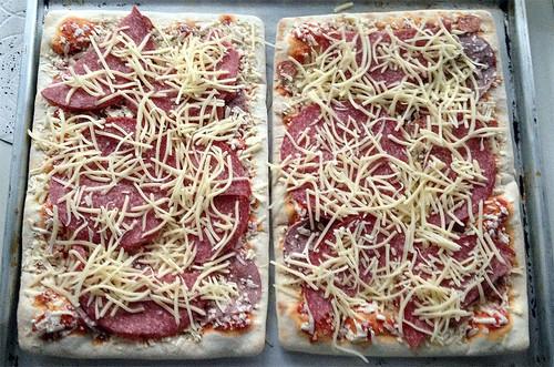 Mama Mancini Familienpizza - Belag erweitert