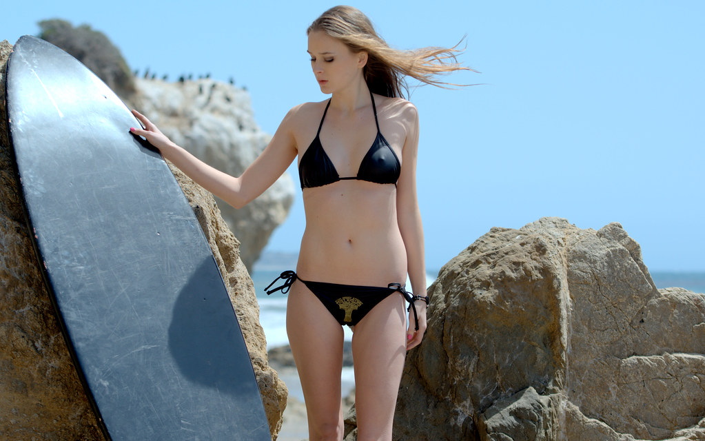 Nikon D800 Photos Of Pretty Blonde Bikini Swimsuit Model G -1447