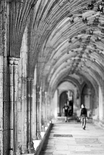 20120425_F0001: Visiting the Canterbury Cathedral cloister hallway