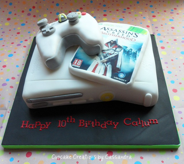 Xbox Birthday Cake http://www.flickr.com/photos/54242539@N02/7045848083/