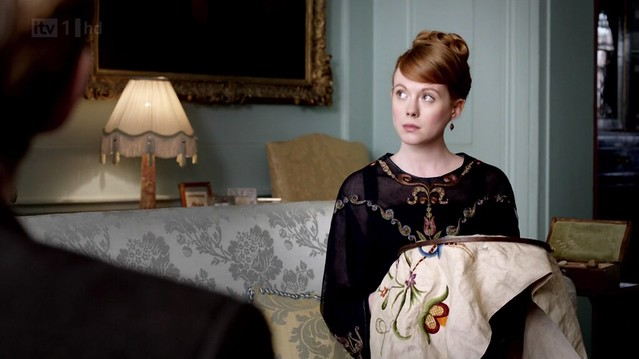 DowntonAbbeyS02E07_embroidery2