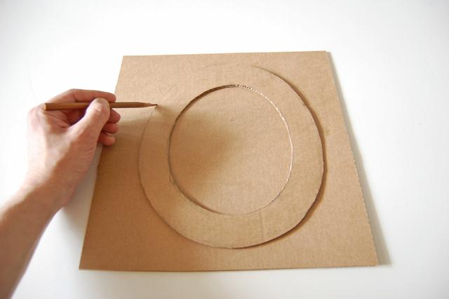 Cardboard hat_010