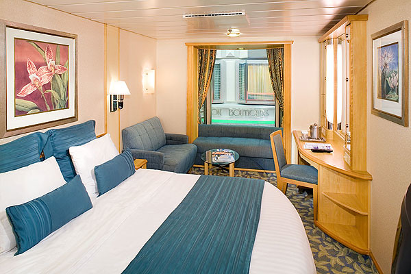 One of the rooms in Voyager of the Seas (image provided by Royal Caribbean International)