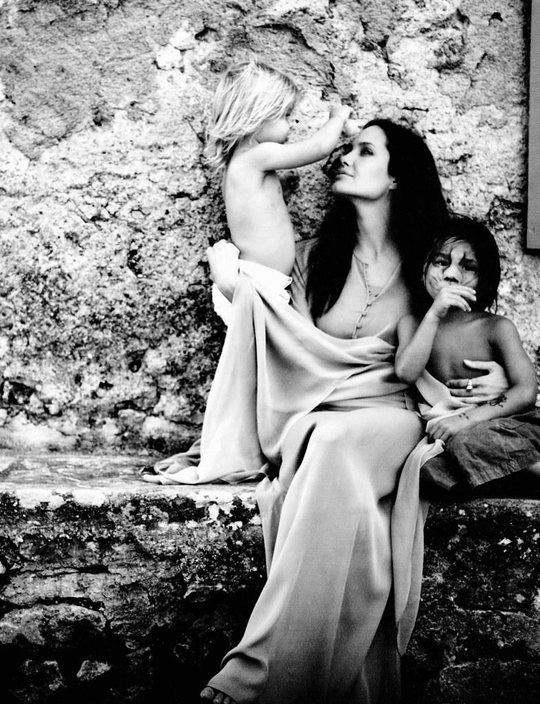 Angelina Jolie mit Kindern (Fotos Brad Pitt)