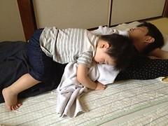 お昼寝(妻撮影) (2012/5/20)