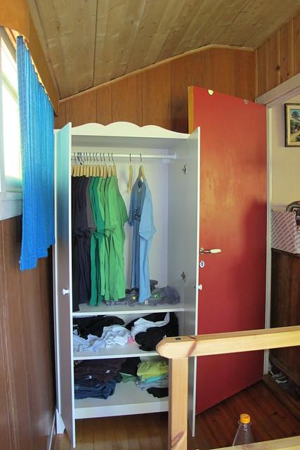 hensvik wardrobe from ikea flickr photo sharing. Black Bedroom Furniture Sets. Home Design Ideas