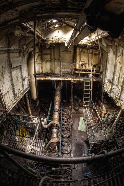 Big Ships Engine Rooms: Wickman 9 Cylinder Diesel Engine