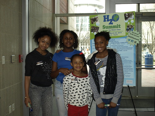 Image of volunteers at the H2O Summit