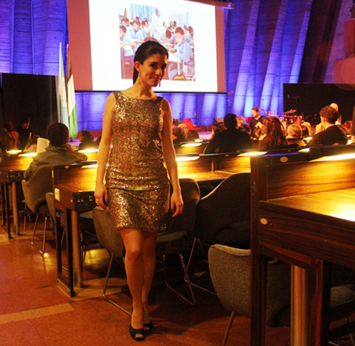 fashion, fashion blog, fashion blogger, Paris, streetstyle, UNESCO, palestina, jornada solidaridad palestina, Palestinian day, sequins, golden sequins, dress, vestido lentejuelas