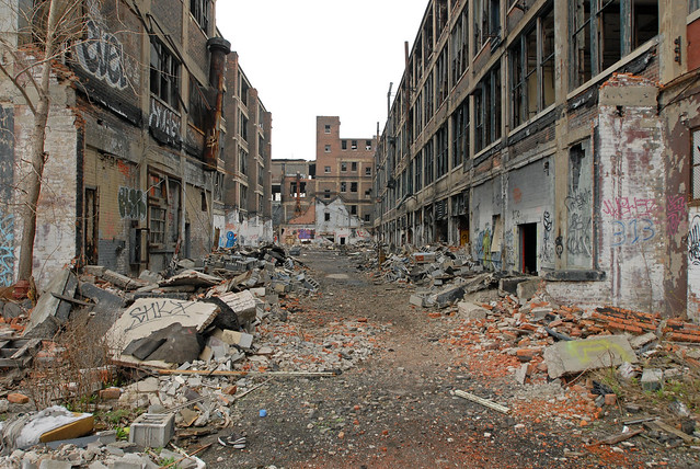 Packard Plant by CC user gunner226 on Flickr