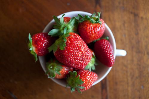 [フリー画像素材] 物・モノ, 食品・食べ物, 果物・フルーツ, 苺・イチゴ ID:201204220600