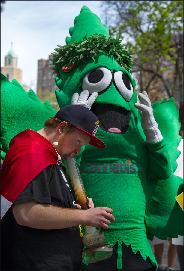 smoker-and-leaf