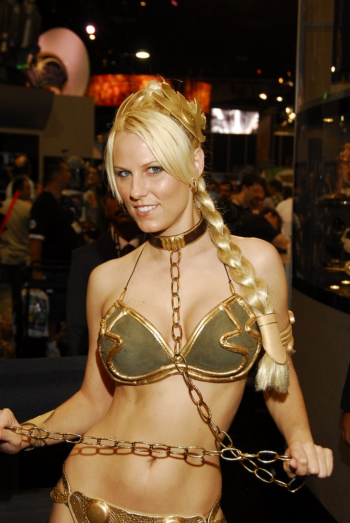 Slave Leia with long chain