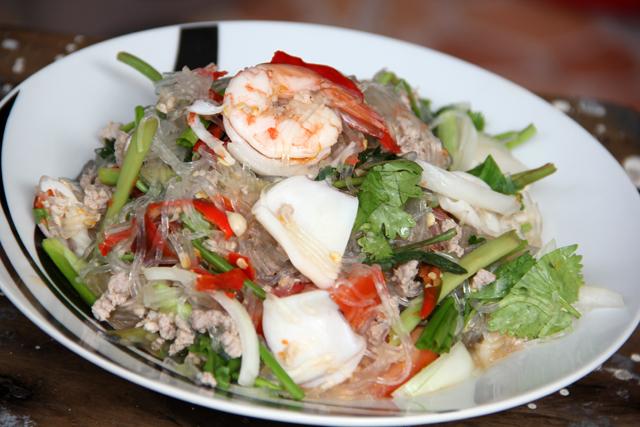Yam Woon Sen (Mungbean Noodle Salad) ยำวุ้นเส้น
