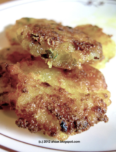 Sabudana Vada (Tapioca patties)