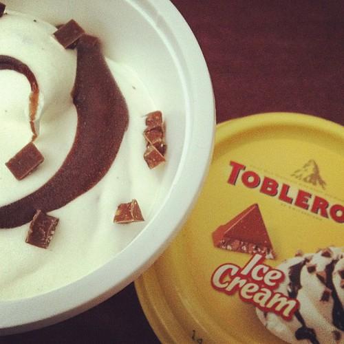 Toblerone eis... #foodie #yum #foodporn