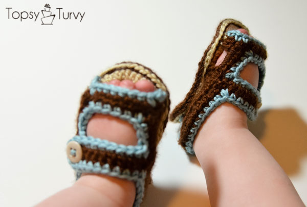 crochet-baby-sandals-finished