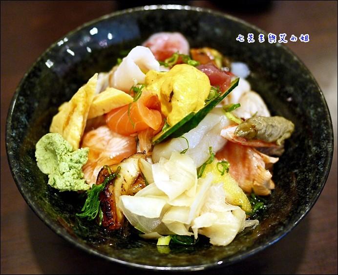 9 海鮮丼+海膽