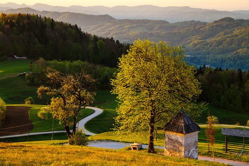morning light house sunshine sunrise view slovenia slovenija gora limbarska