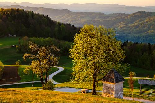 morning light house sunshine sunrise view slovenia slovenija gora limbarska
