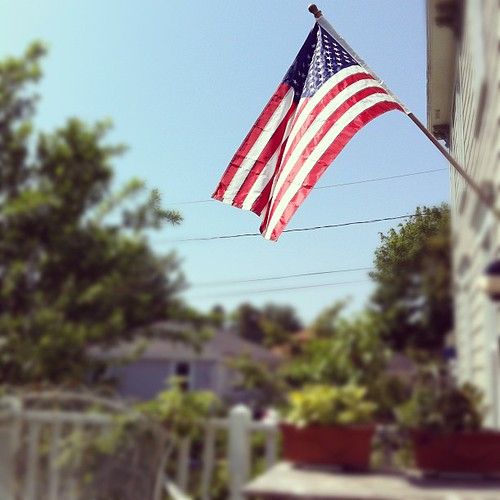 Remembering: Memorial Day #beachcottagelife #urbangarden #thisoldhouse #rituals