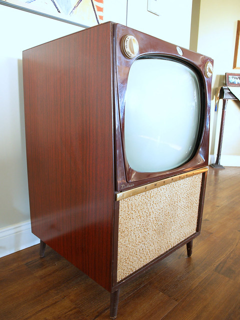 Vintage console tv set mid century modern television for Modern tv set furniture