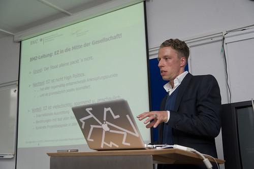 Dr. Tobias Knobloch vom BMZ bei seinem Vortrag