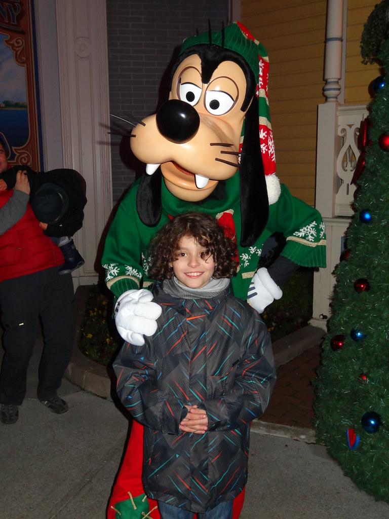 Un séjour pour la Noël à Disneyland et au Royaume d'Arendelle.... - Page 4 13700369354_99921ac337_b