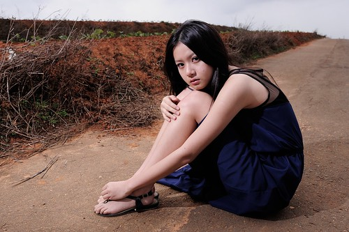 [フリー画像素材] 人物, 女性 - アジア, 台湾人, ワンピース・ドレス, 女性 - 座る ID:201204082200