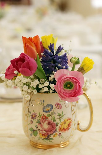 Pretty Vintage Jug ~ Saddleworth Shindigs
