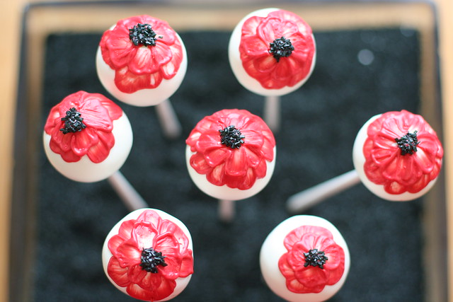 "Cake Pop ""Poppies"""